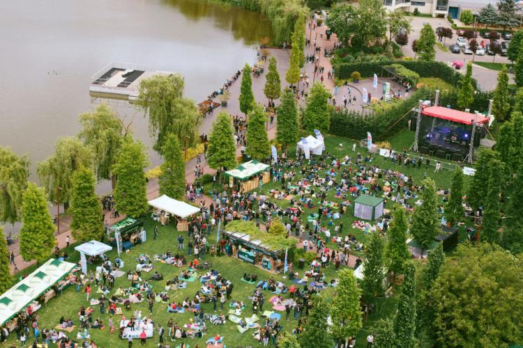 Weekend cu muzică jazz, delicii și relaxare, în Iulius Parc