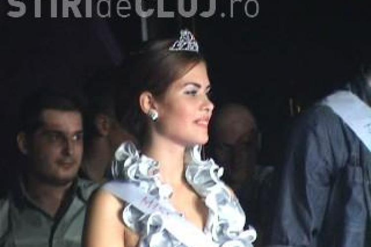 Silicoane si marire de buze, premiile de la Balul Balurilor facultatilor din Cluj! VEZI cine e Miss si Mister 2010 - VIDEO