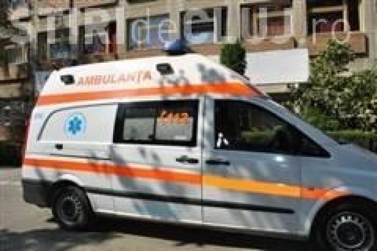 Tentativa de suicid pe Aleea Godeanu! Un barbat a vrut sa se arunce de la etajul 4