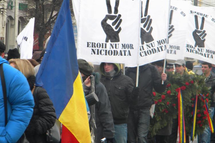 Revolutionarii din Cluj cer la Haga si CEDO pedepsirea lui Florian Caba si Carp Dando, pentru crimele din 21 Decembrie  - VIDEO
