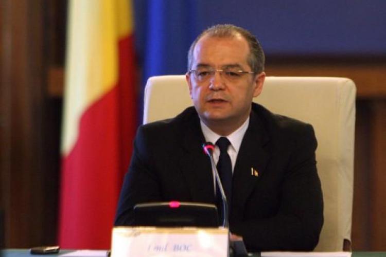 Emil Boc: Oamenii vad ca salariul a fost diminuat si eu ii inteleg
