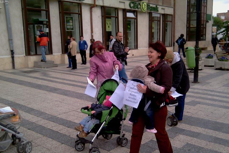 Mamele au protestat la Cluj Napoca fata de injumatatirea concediului de maternitate