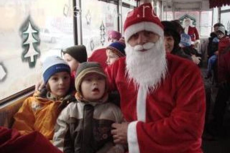 La Cluj, Mos Craciun vine de luni cu tramvaiul