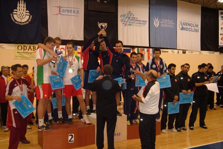 Doua medalii de aur pentru Romania  la Campionatul Mondial de fotbal-tenis din Turcia din week-end! Una castigata de un clujean!