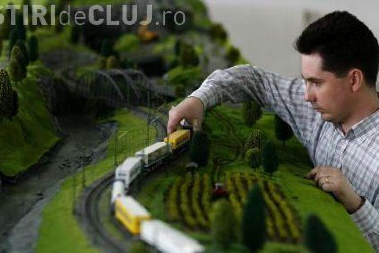 Machete de trenuri si o statie CFR electrificata in miniatura, expuse in Gara Cluj pana duminica