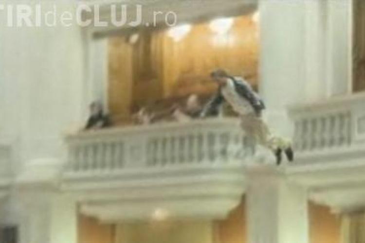 Uioreanu despre tentativa de sinucidere din Parlament: Este un vot de blam adresat Guvernului criminal Emil Boc