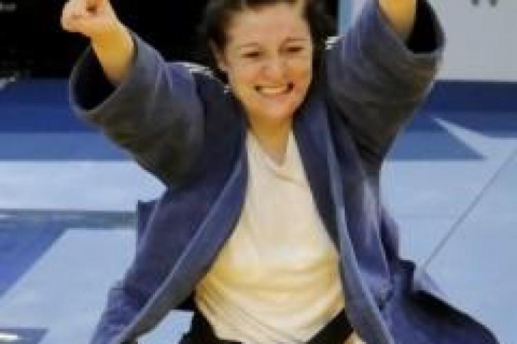 Corina Caprioru, campioana europeana de judo, sportiva anului 2010 la CSU Cluj, rasplatita cu 1.000 de lei!