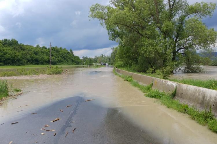 Inundații în zona Dejului. Someșul a ieșit din albie. S-a emis avertizare RO-ALERT- - FOTO