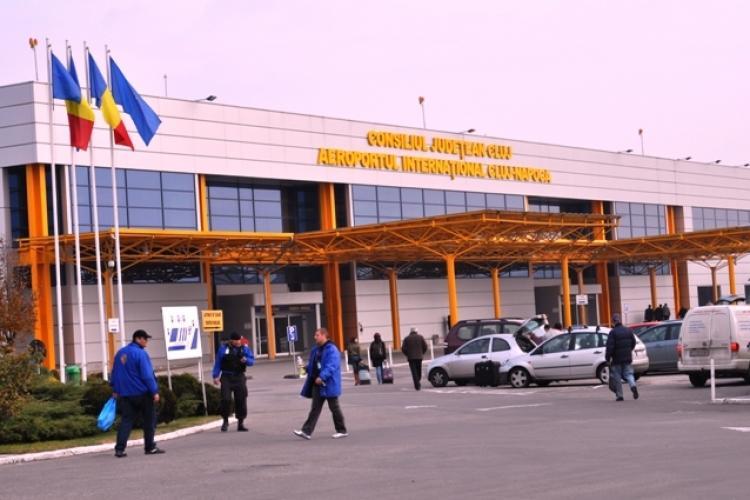 Italian prins conducând RUPT de beat prin parcarea Aeroportului Cluj