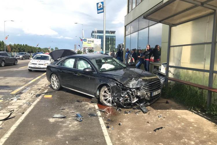 Accident cu o victimă la Metro! Un șofer neatent a intrat cu mașina pe contrasens și a băgat o clujeancă în spital FOTO