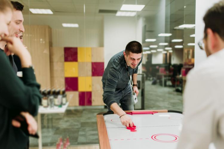 Thomsons Online Benefits se dezvoltă la Cluj, unde deschide al doilea birou. Ioana Ielciu este director general pentru România