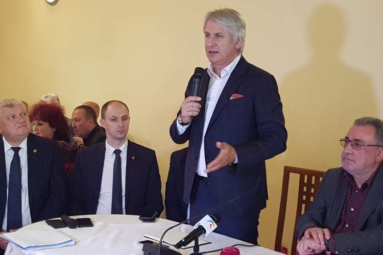 Ministrul Finanțelor la Cluj: Nu pregătim o taxă specială pentru Uber și Taxify - VIDEO