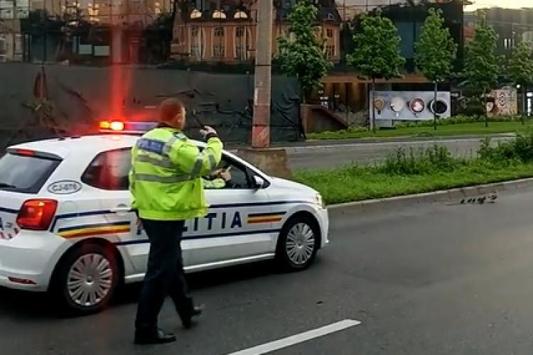 """Poliția clujeană în acțiune. Protejau un """"convoi"""" de VIP -uri - VIDEO"""