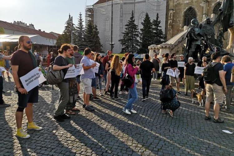 Românii și maghiarii au mărșăluit la Cluj-Napoca împreună: Marş de solidaritate româno-maghiar
