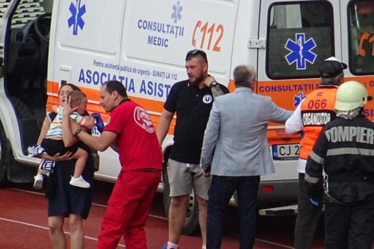 Suporteri bătuți și copii gazați de jandarmi la meciul U Cluj - Hermannstadt - FOTO