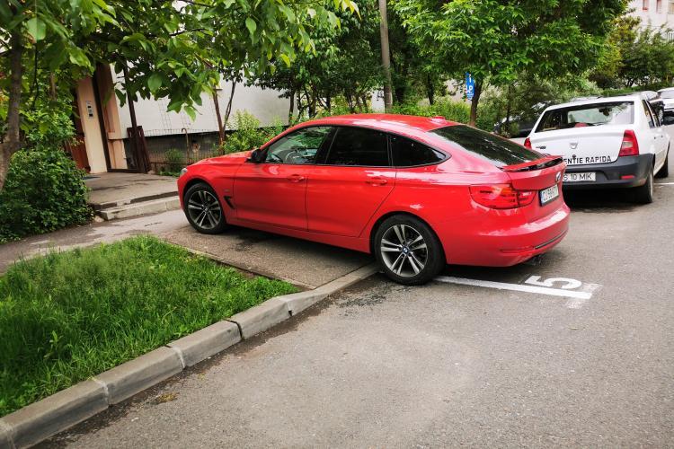 BMW cu parcare la scară. Ce notă îi dați? - FOTO