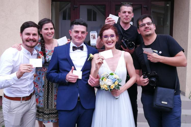 Cluj: S-au căsătorit și apoi s-au dus la vot cu mireasa - FOTO