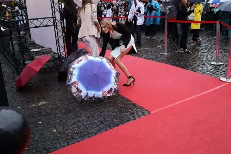 #Tiff2019 - Eșec la GALA de deschidere! I-au dat afară pe spectatorii care plătiseră bilete din Cinema Florin Piersic