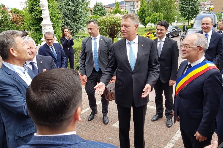 Klaus Iohannis a ajuns la Cluj. I-a spus lui Emil Boc primarul general al regiunii -VIDEO