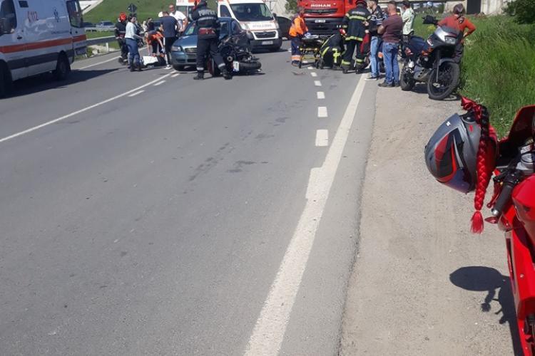 CLUJ: Accident cu două victime pe un drum din Cluj. Un șofer a lovit în plin un motociclist FOTO