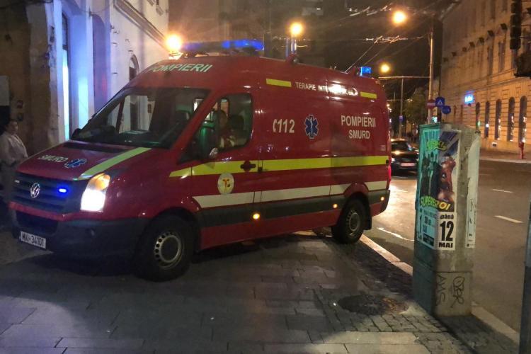 Bărbat căzut de la etaj, în Piața Unirii, în curtea interioară a unui imobil - VIDEO