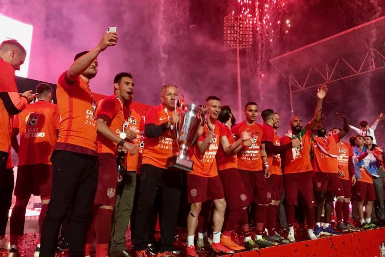 Abia după 2 zile, primarul Boc îi felicită pe campionii de la CFR Cluj