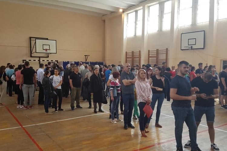 Vot MASIV la Cluj. Sunt cozi uriase - VIDEO