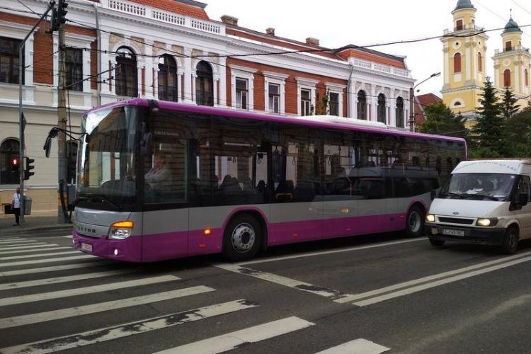Cum arată noile autobuze școlare din Cluj-Napoca. Au sosit primele autobuze Setra