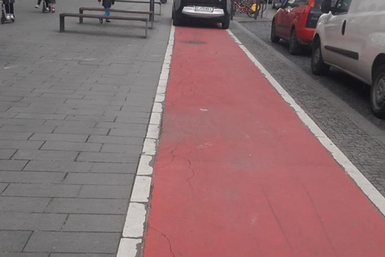 În timp ce Primăria Cluj-Napoca vrea să dea mașinile afară din oraș, șoferii fac ASTA - FOTO