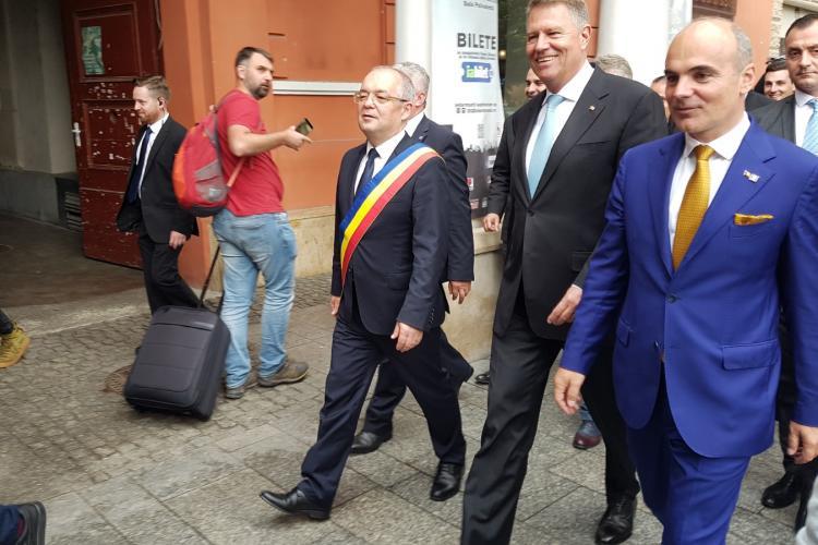 """Klaus Iohannis le-a dat replica celor care îl fac """"mut"""""""