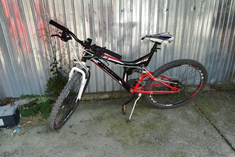 Hoți de biciclete, prinși de polițiștii clujeni. Bunurile au fost recuperate FOTO