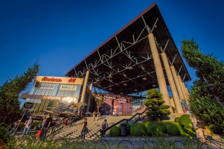 Vino la Iulius Mall Cluj să-ți pregătești garderoba de vară cu cele mai cool ținute, la promoții de până la 70%