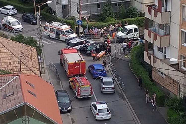 Accident cu trei mașini într-o intersecție din Mărăști FOTO