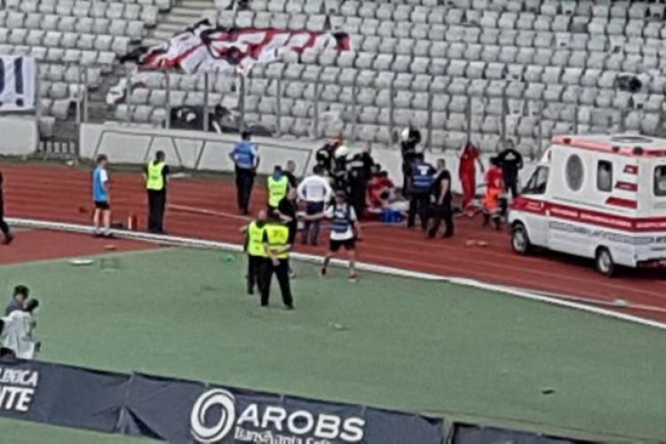 """Jandarmul lovit cu scaunul în cap la Meciul """"U"""" Cluj - Hermannstadt a fost externat. Ce spun medicii"""