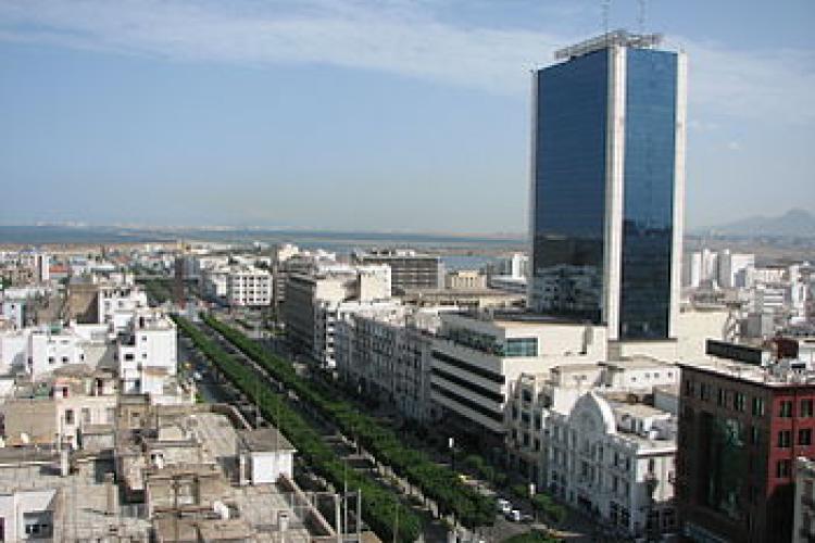 Atacuri sinucigașe în capitala Tunisiei
