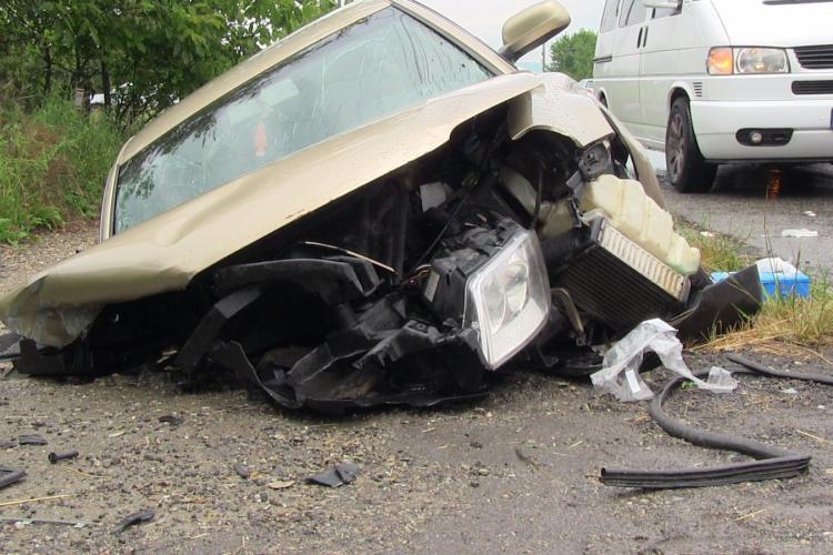Accident la Nima! Mașina e praf. S-a făcut pachet - FOTO