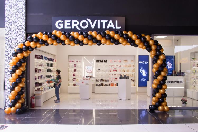 Farmec dă startul francizei! Primul magazin a fost inaugurat la Bacău