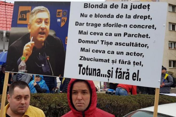 Sindicatul de la Aeroportul Cluj protestează din nou în fața Consiliului Județean Cluj