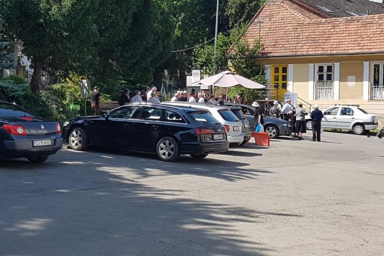 RADP Cluj cere dublarea tarifelor de săpare a gropilor din cimitire, pentru că angajații câștigă 3000 de lei