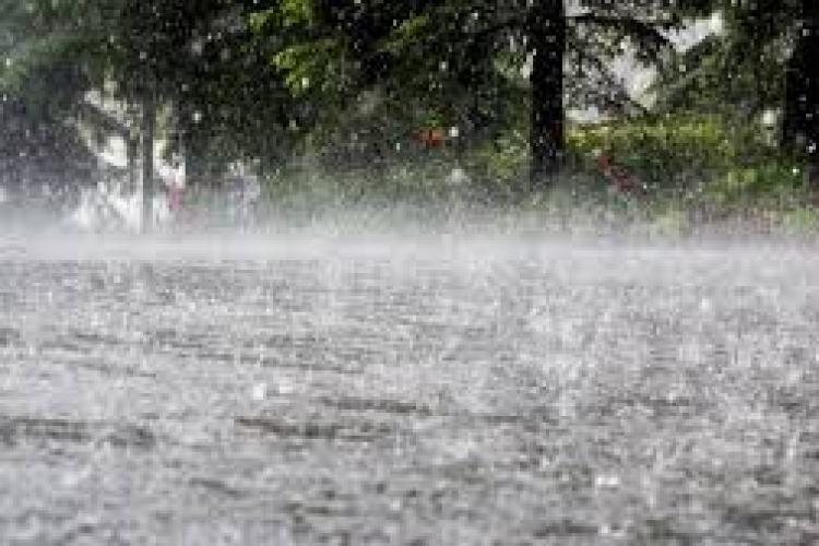 Cod portocaliu de ploi torențiale la Cluj-Napoca și în mai multe localități din județ