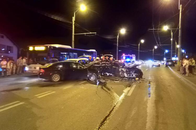 Accident cu trei mașini la IRA. Un șofer cu Mercedes a făcut prăpăd pe șosea și a fugit de la fața locului FOTO