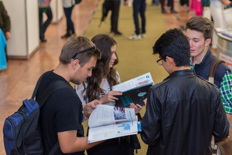 Cum se poate face rapid și ușor admiterea la universitățile din străinătate