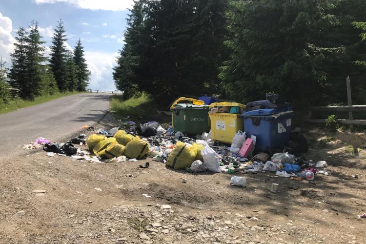 Comuna Mărișel, un paradis pe pământ, nu are bani nici să ridice săptămânal gunoaiele menajere - FOTO