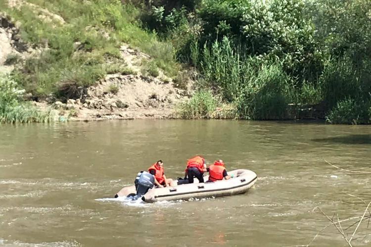 Bărbatul care s-a aruncat în Arieș a fost găsit - FOTO