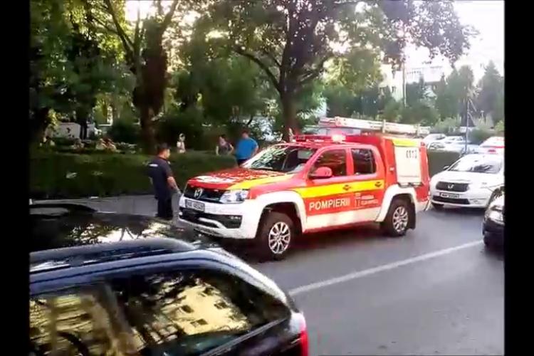 Sinucidere pe strada Mehedinți? Un pensionar a căzut de la etajul cinci - VIDEO