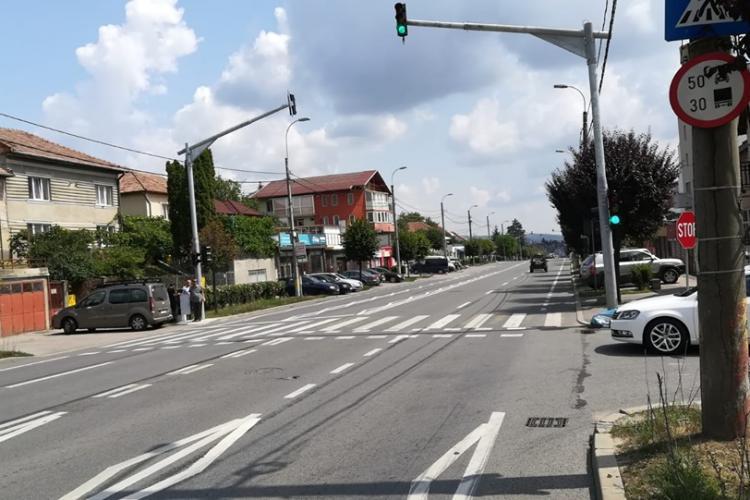 Semafoare cu buton la trecerile de pietoni de pe strada Corneliu Coposu FOTO