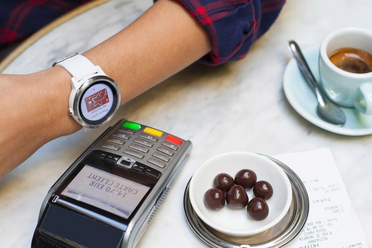 Banca Transilvania a introdus plata contactless prin Garmin şi Fitbit pentru clienții cu card Mastercard