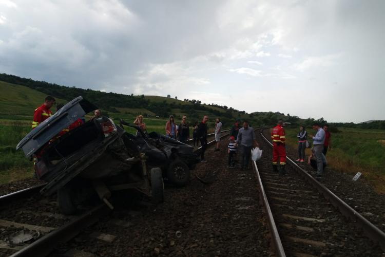 VIDEO ȘOCANT Momentul producerii accidentului feroviar mortal de la Gârbău, surprins de camere