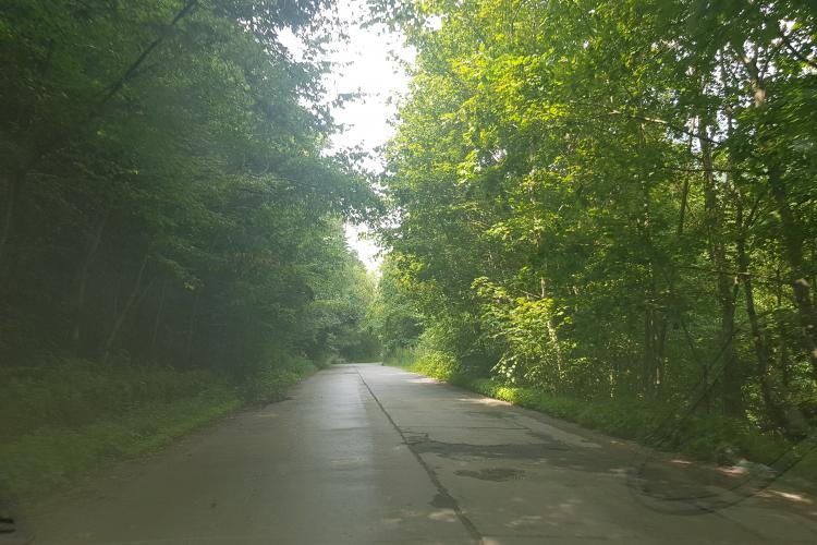 Rușinos! Drumurile din zona de munte a județului Cluj sunt complet distruse - FOTO