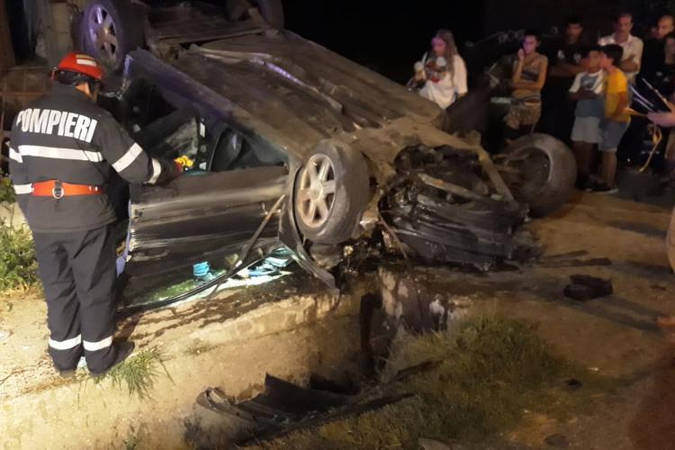 Accident grav pe un drum din Cluj! Patru persoane au ajuns la spital, din cauza unei depășiri neregulamentare FOTO